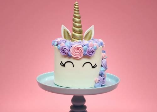 unicornio cake.jpg